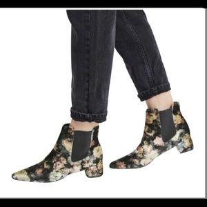 Topshop Chelsea Krazy Pointed Floral Velvet Boots